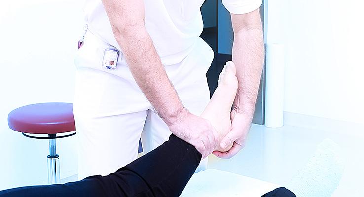 Unfallchirurgische Ambulanz - Untersuchung Sprunggelenk