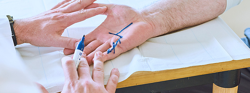 Untersuchung Hand